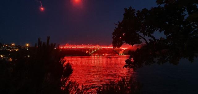 Bakljada na Krčkom mostu / Snimila Laura Grginčić