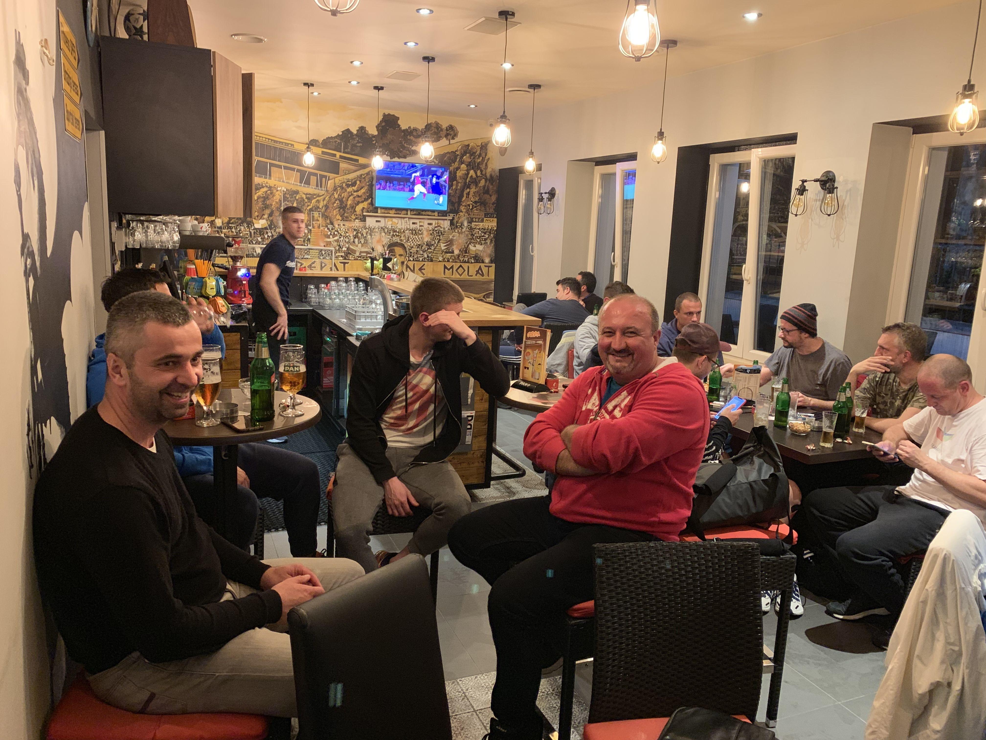 Navijanje za Chelsea u jednom trsatskom kafiću / Snimio Marko CVIJANOVIĆ