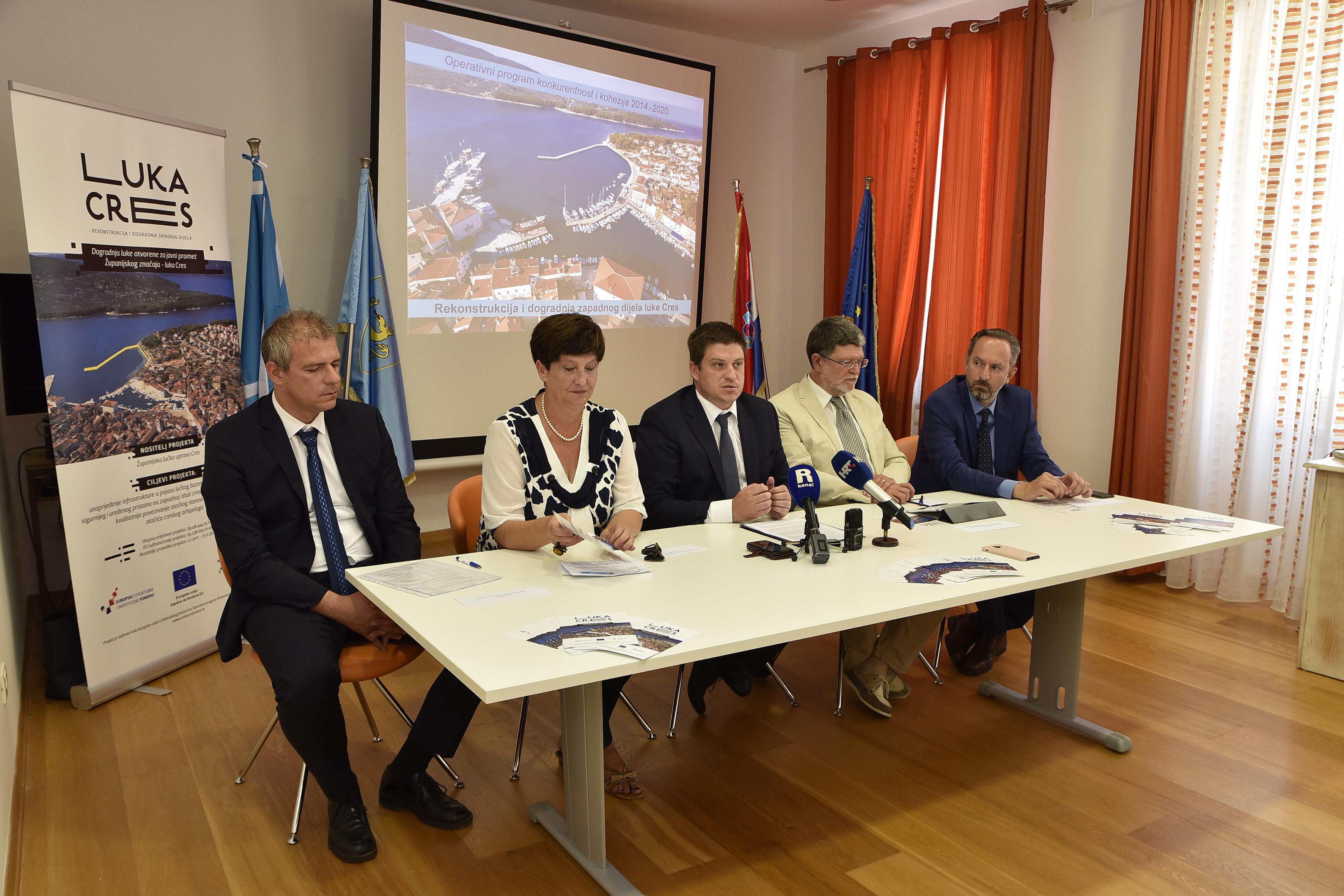 : Anton Opatić, Marina Medarić, Oleg Butković, Tonino Picula i Kristijan Jurjako / Foto Walter SALKOVIĆ