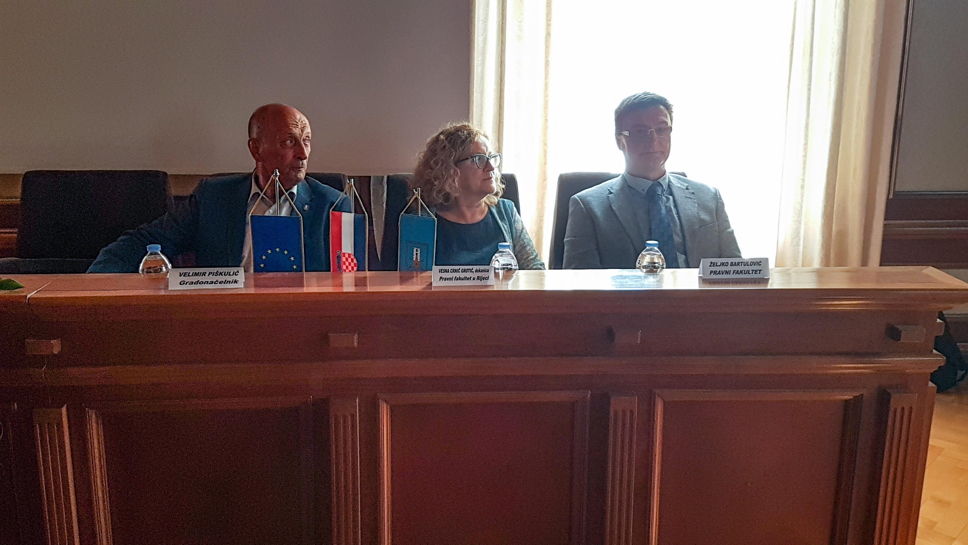 Ljetna škola ljudskih prava: Velimir Piškulić, Vesna Crnić Grotić i Željko Bartulović / Snimila Nataša CAR