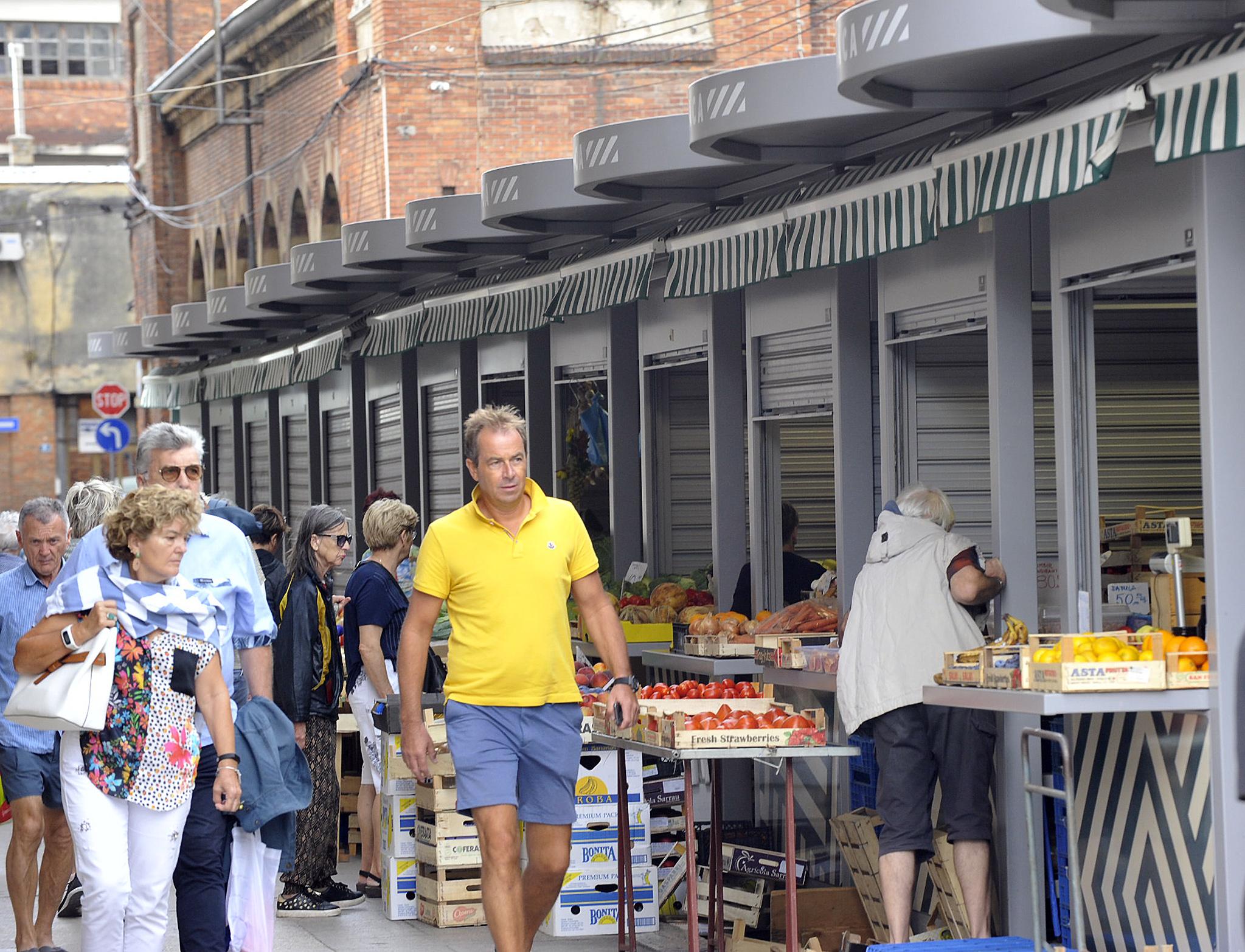 Kiosci na tržnici koštali su građane Rijeke 5,6 milijuna kuna / Foto S. DRECHSLER