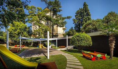 Novo dječje igralište kraj Ville i hotela Ambasador