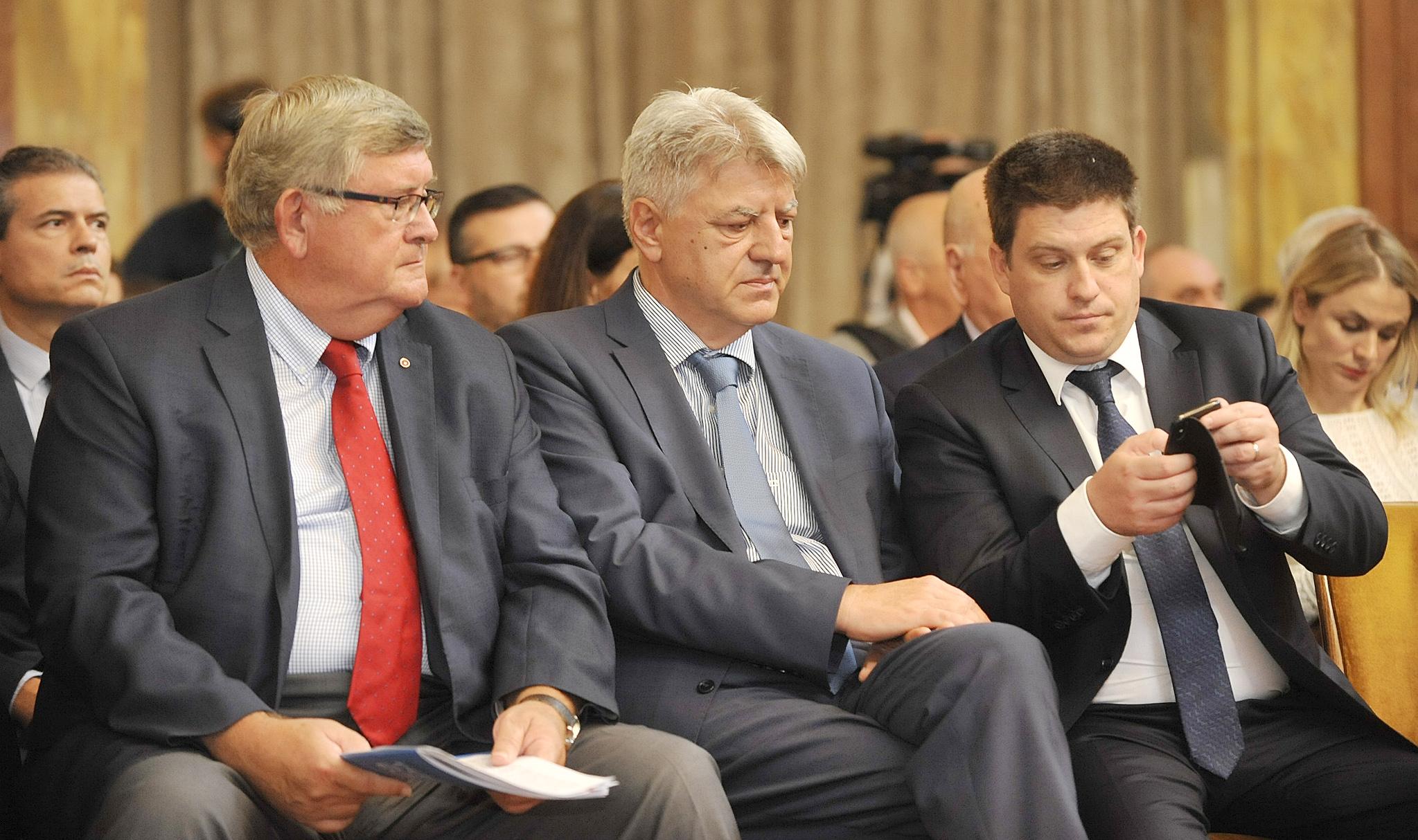 Vojko Obersnel i Zlatko Komadina na konferenciji HŽ-a / Snimio Sergej DRECHSLER
