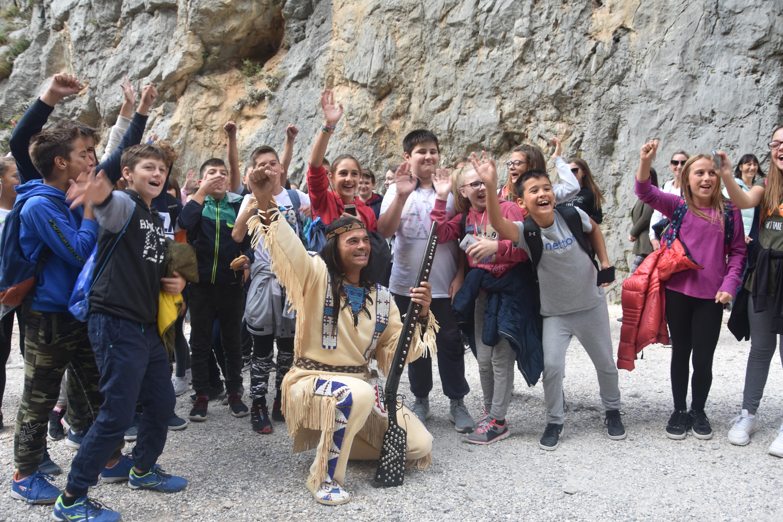 I mladi znaju za Winnetoua - zajednička fotografija s Ivicom Zdravkovićem / Foto ARIF SITNICA