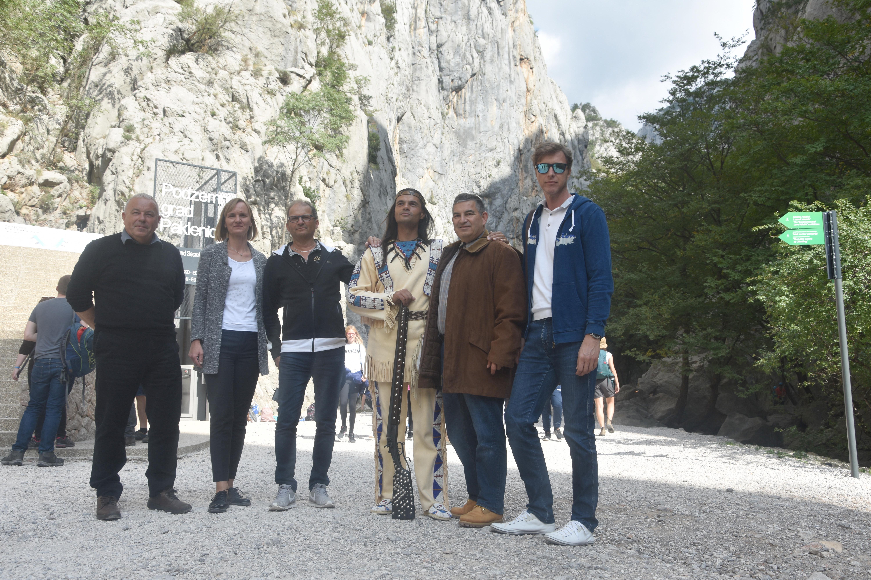 Marin Marasović, Marjana Marasović, Mike Detrich, Ivica Zdravković, Zoran Katić i naš novinar Krešimir Bukvić / Foto Arif Sitnica