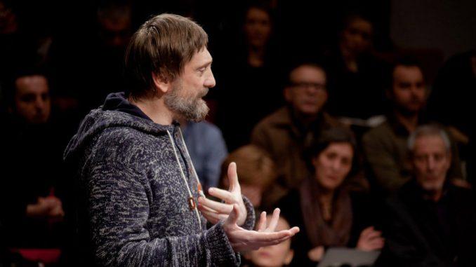 Koncertna izvedba »Papa Franjo se hrva sa svojim anđelom« autora, redatelja i performera Zlatka Pakovića