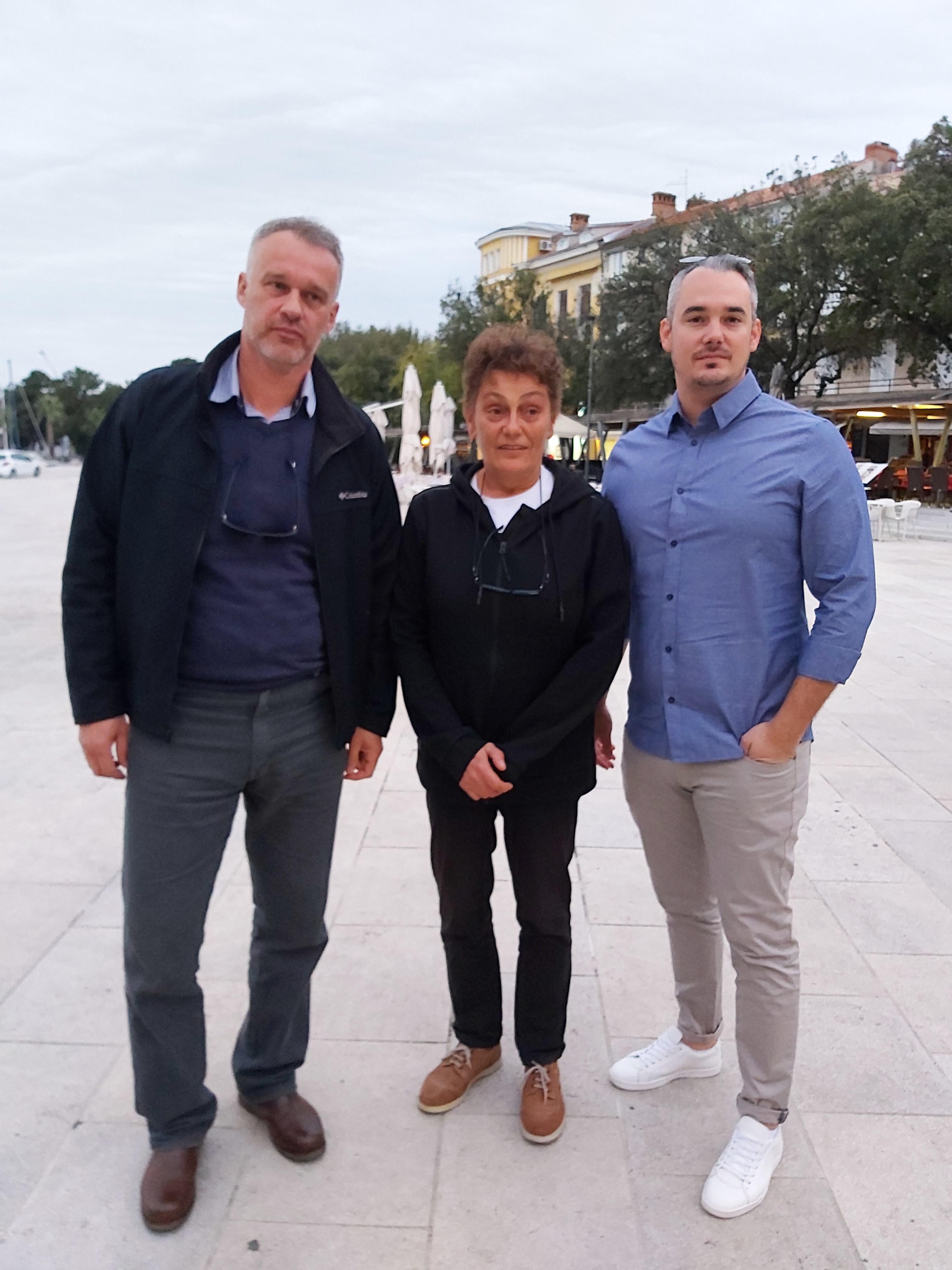 B. SAVIĆ Caption: Igor Posarić, Sonja Polonijo i Gordan Raguž traže prekid »gluhog telefona« između Grada i PGŽ-a / Snimila Biljana SAVIĆ