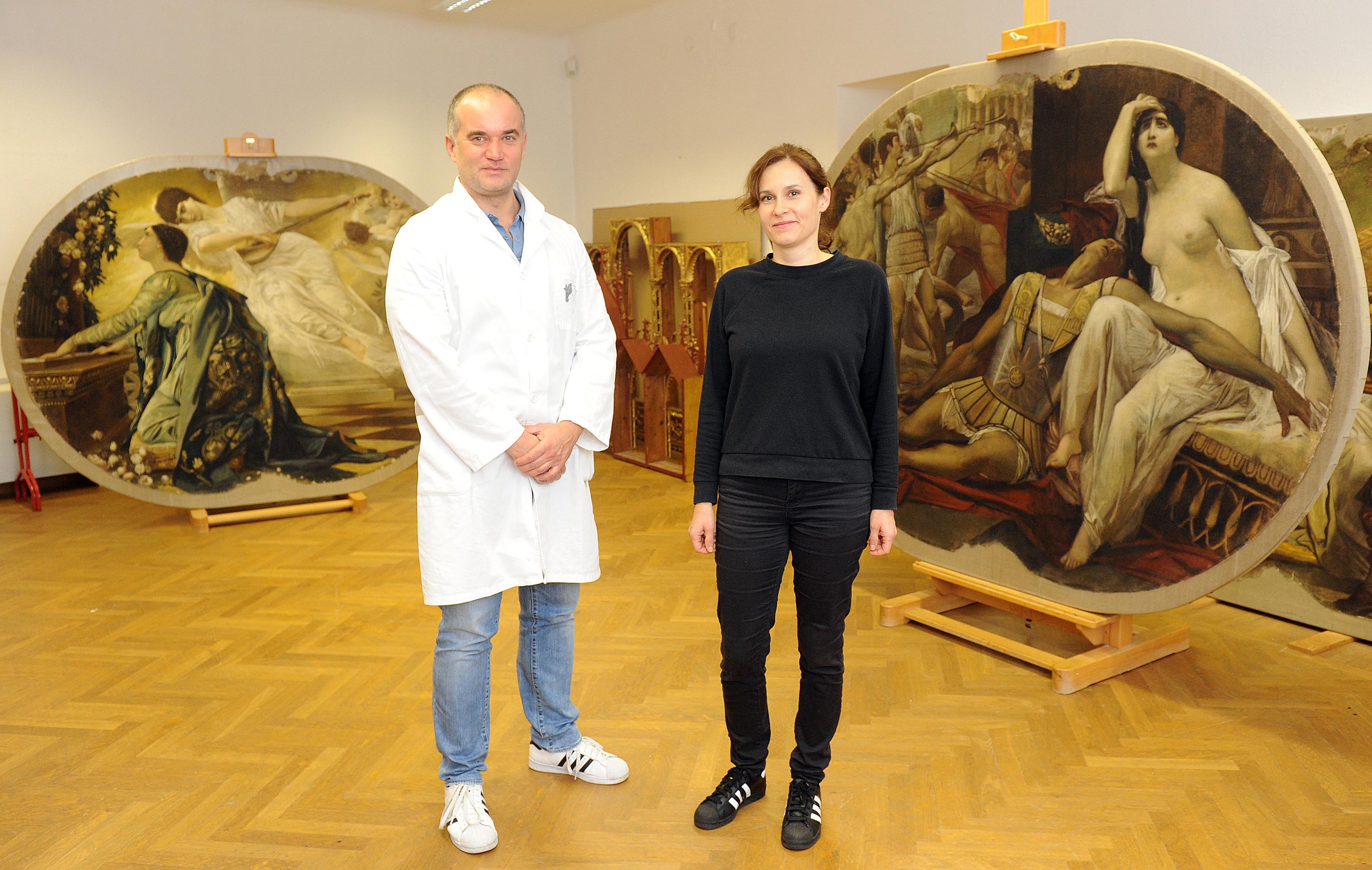 Goran Bulić i Ana Rušin-Bulić riječki su tim, ujedno i bračni par, koji radi na restauriranju slika iz Kazališta / Snimio Marko GRACIN