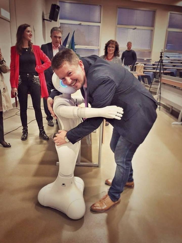 Sven Maričić: Robotica Pepper postala je asistentica u nastavi
