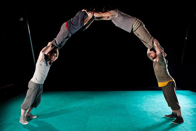 Francuska cirkuska skupina Un loup pour l'homme gostovala je s predstavom »Face Nord«