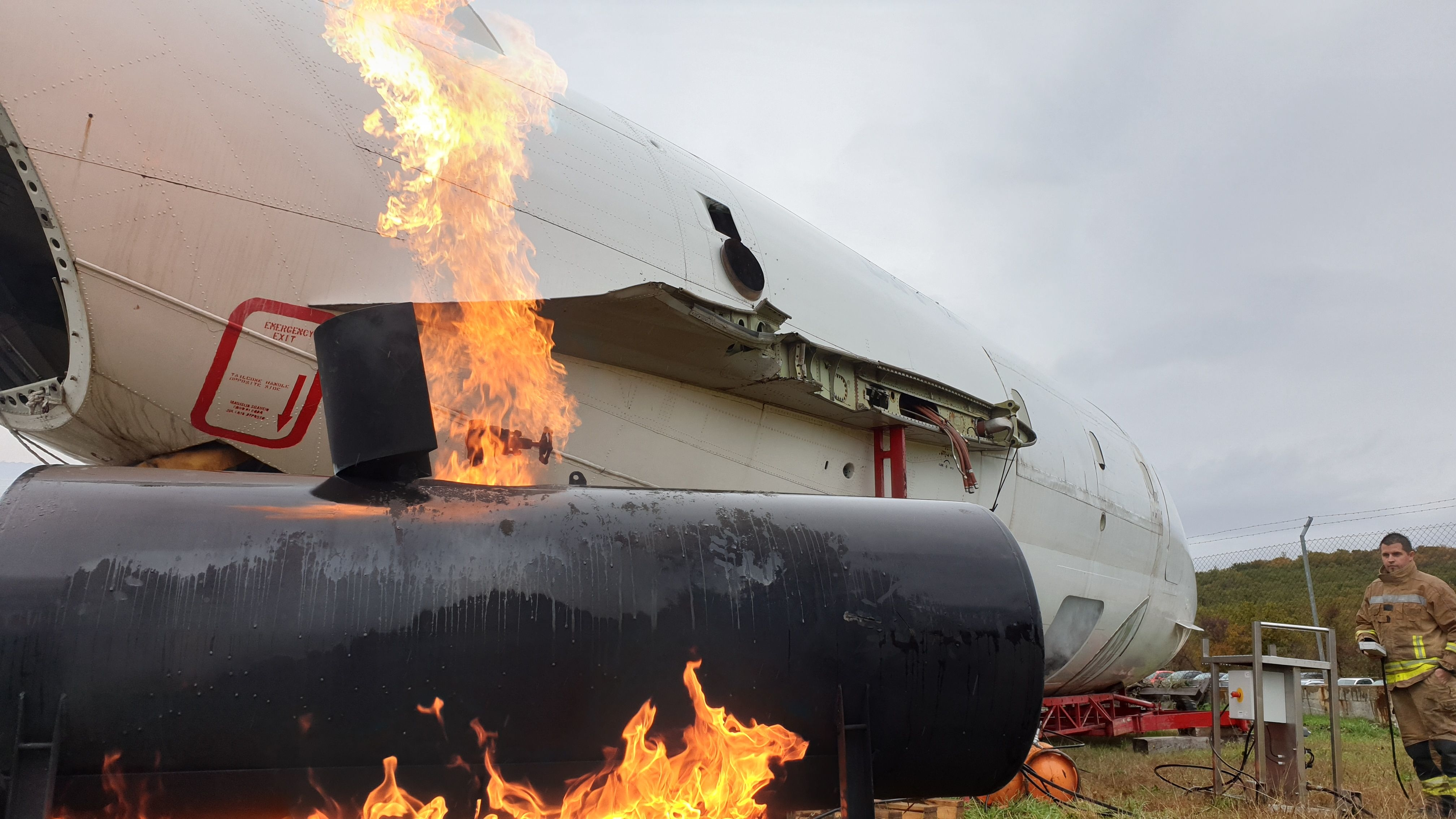 Snimanje serije Nesreće: Vježba gašenja na krčkom aerodromu