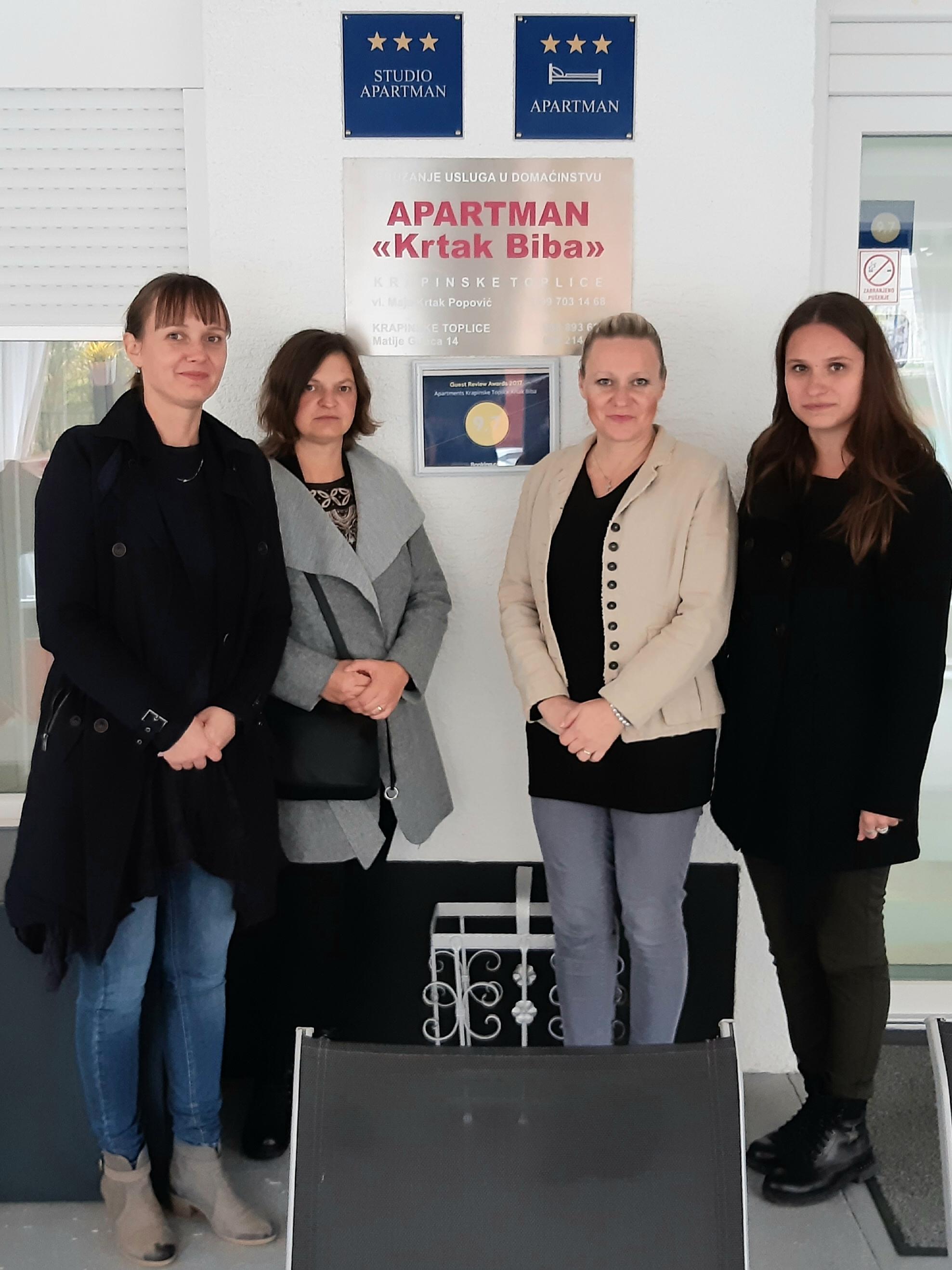 Istraživači s domaćicom - Karolina Hostić, Milka Fučkar, Maja Krtak Popović i Nina Pajeska