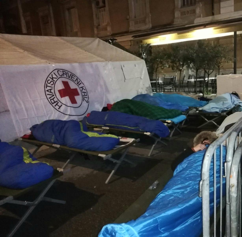 Rijeka se jedina u Hrvatskoj pridružila velikoj svjetskoj kampanji spavanja na otvorenom / Foto E. PRODAN