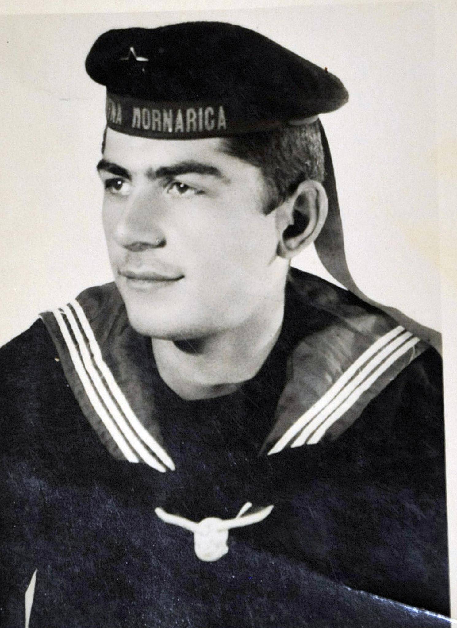 Branko Lončarić kao mlad mornar