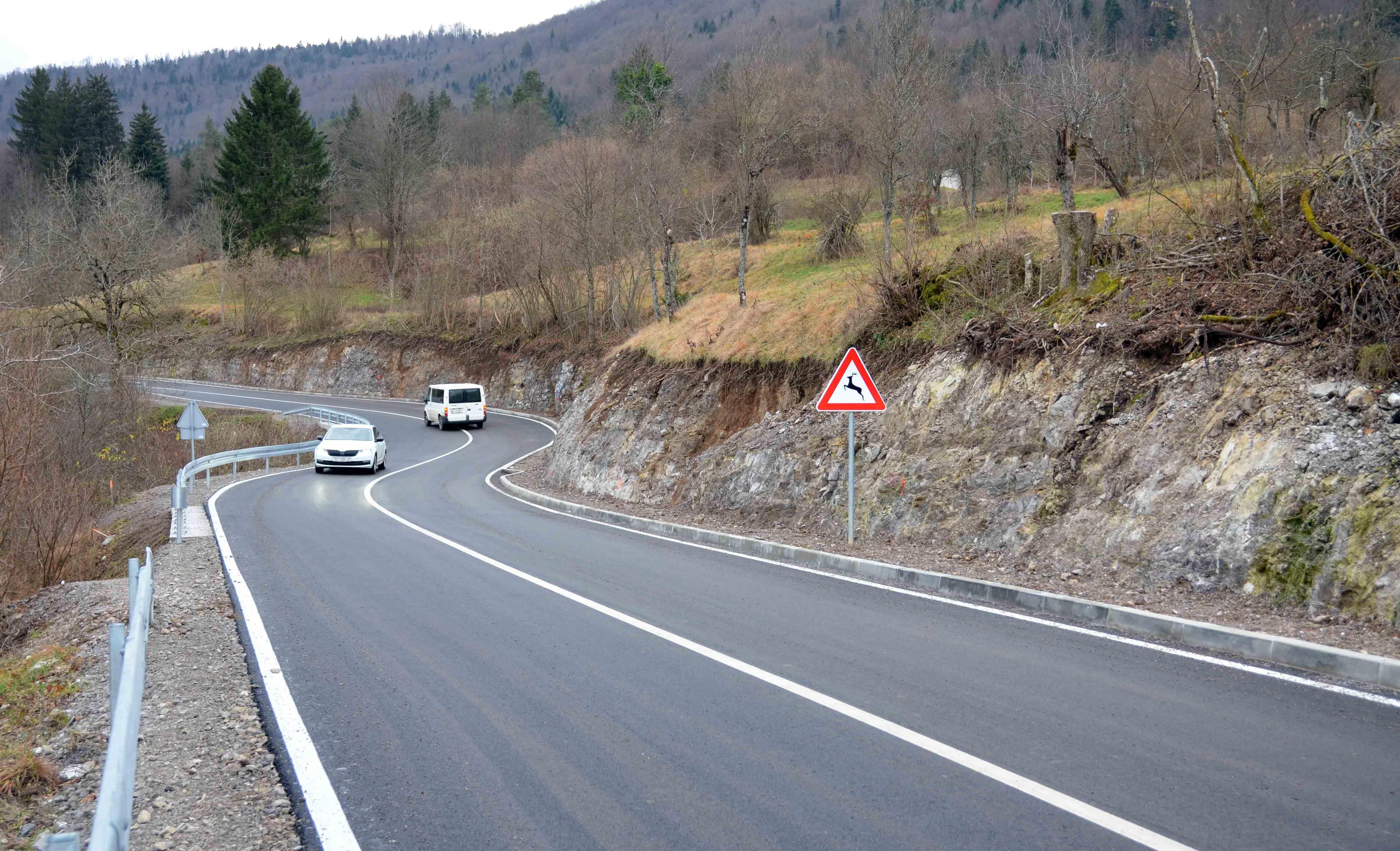 : Novouređeni kilometar i pol prometnice zaista omogućava ugodnu vožnju / Foto Marinko KRMPOTIĆ