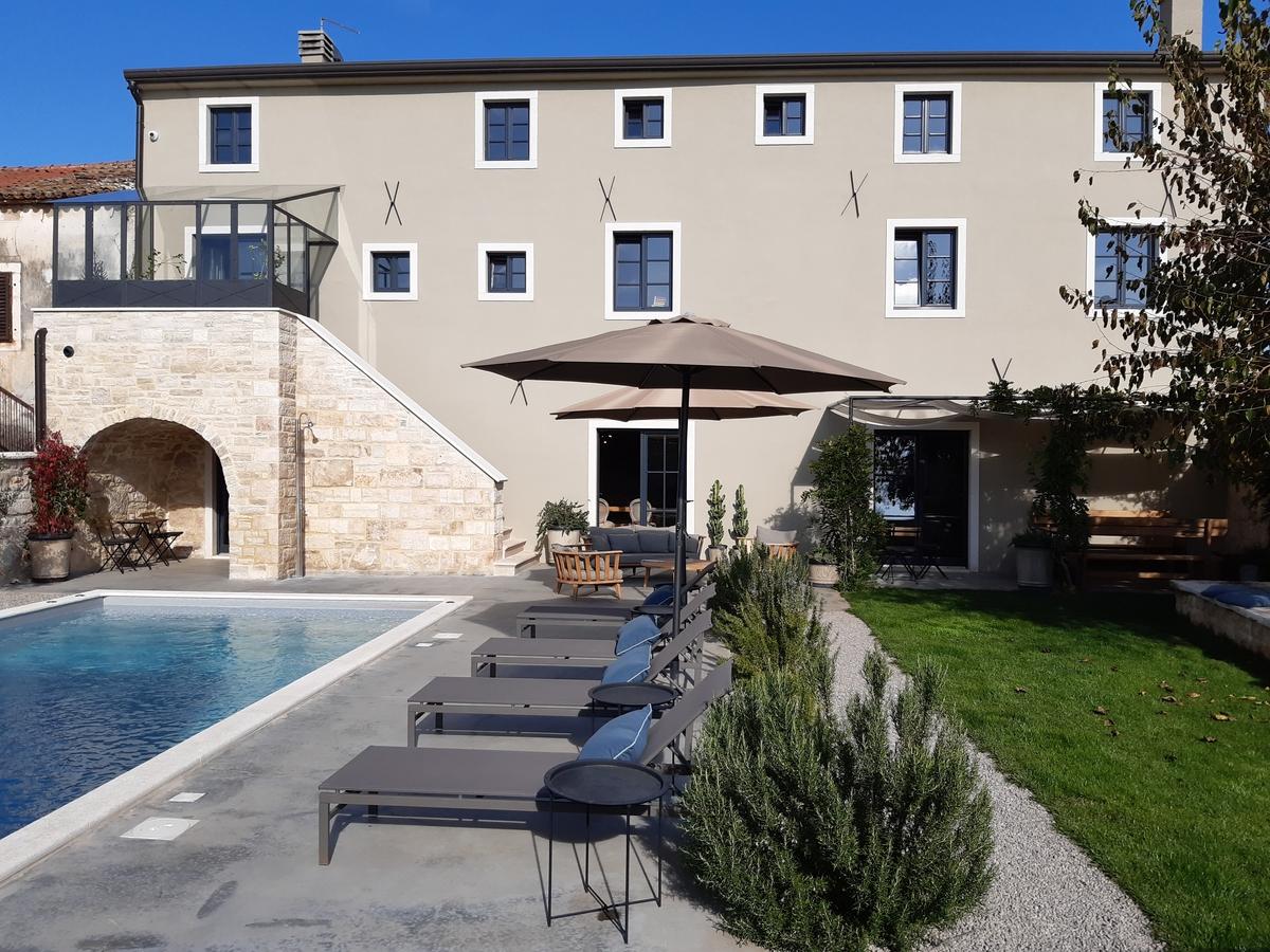 Senzacionalna Villa Covri