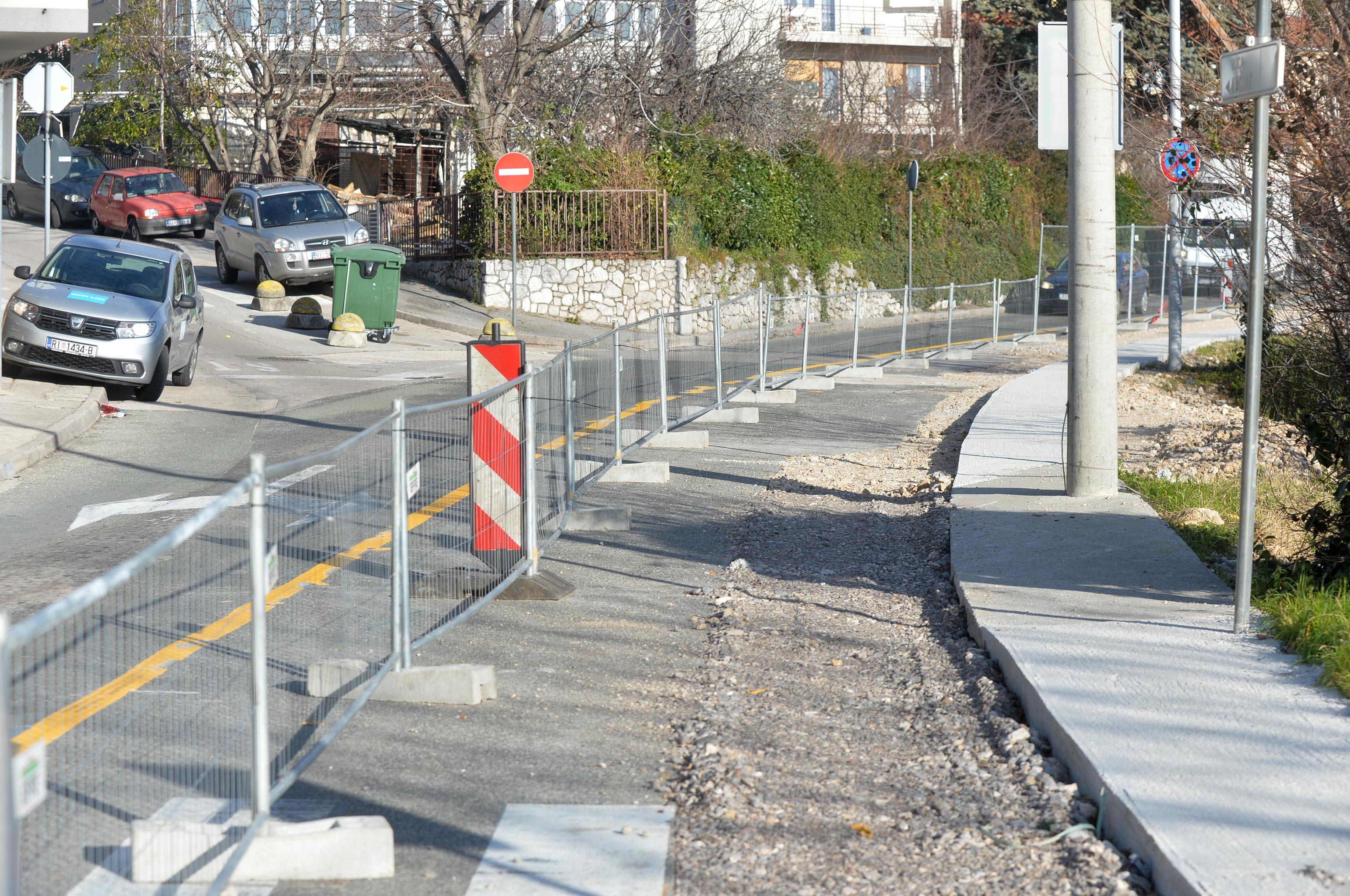 Slijedi asfaltiranje i postavljanje prometne signalizacije / Snimio Damir ŠKOMRLJ