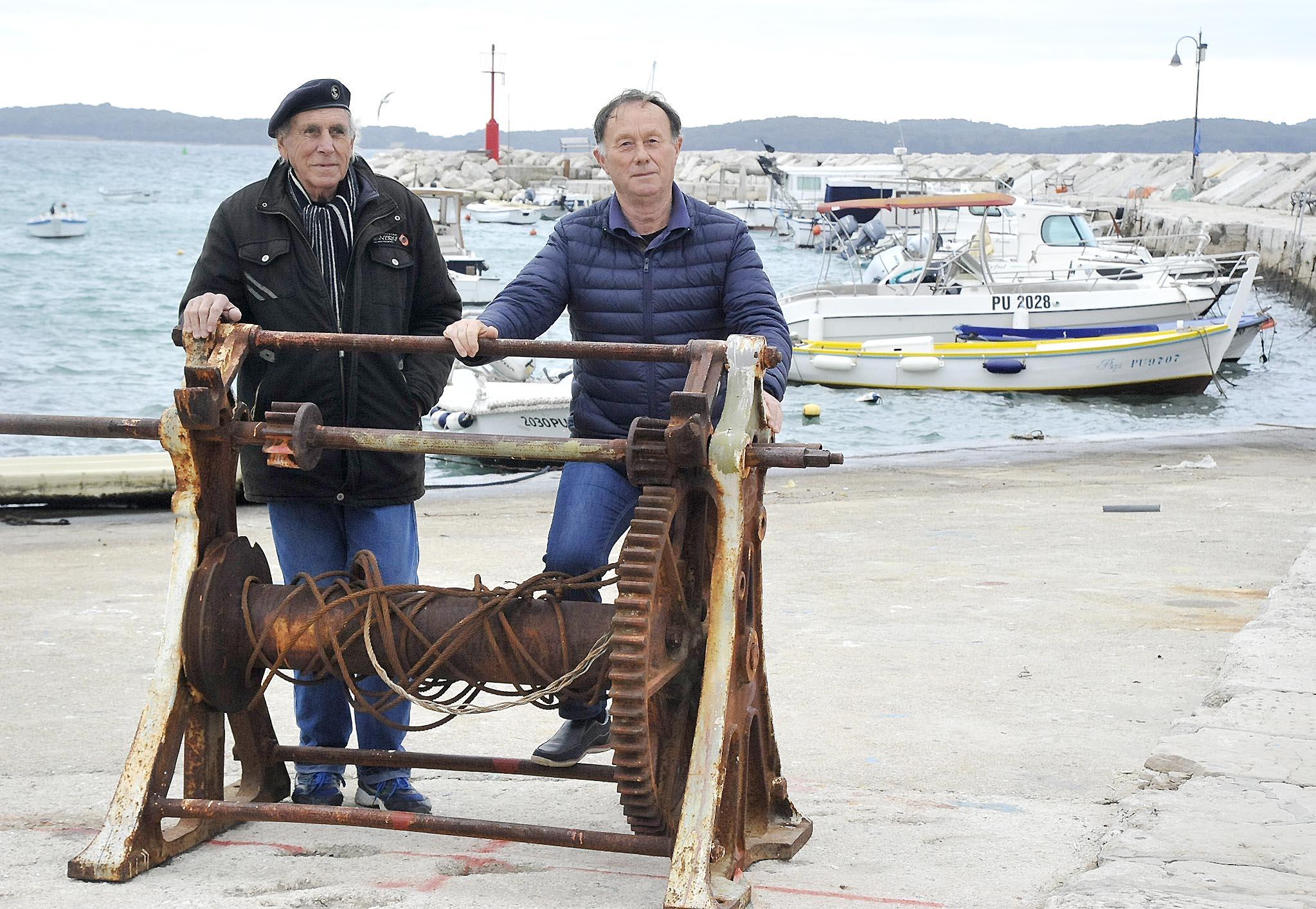Ribara i brodica u luci je sve manje - Fabrizio Valente i Nikola Grubišić / Snimio Sergej DRECHSLER