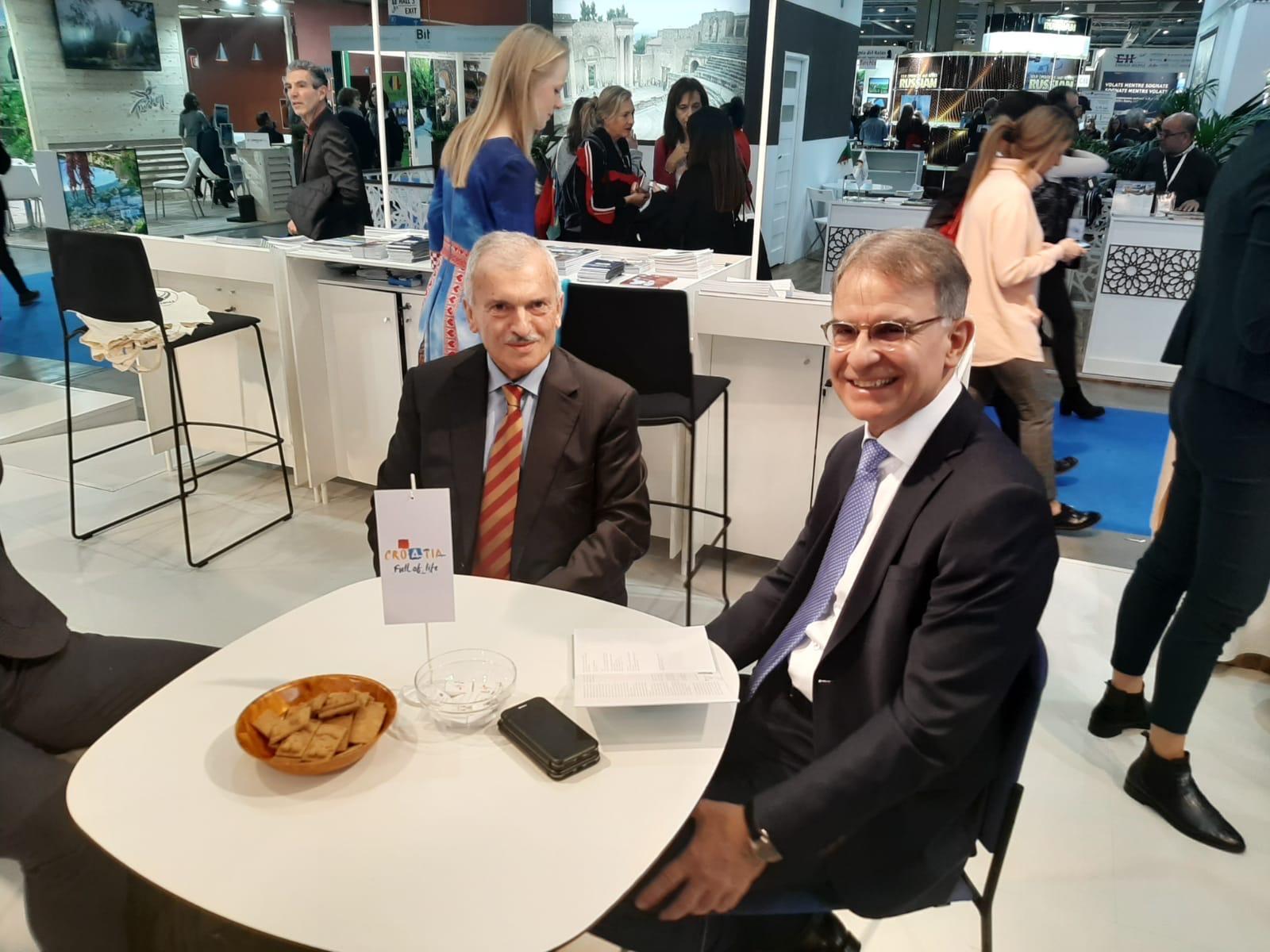 : Talijanski poduzetnik Mario Vezzola s ministrom turizma Garijem Cappellijem u Milanu