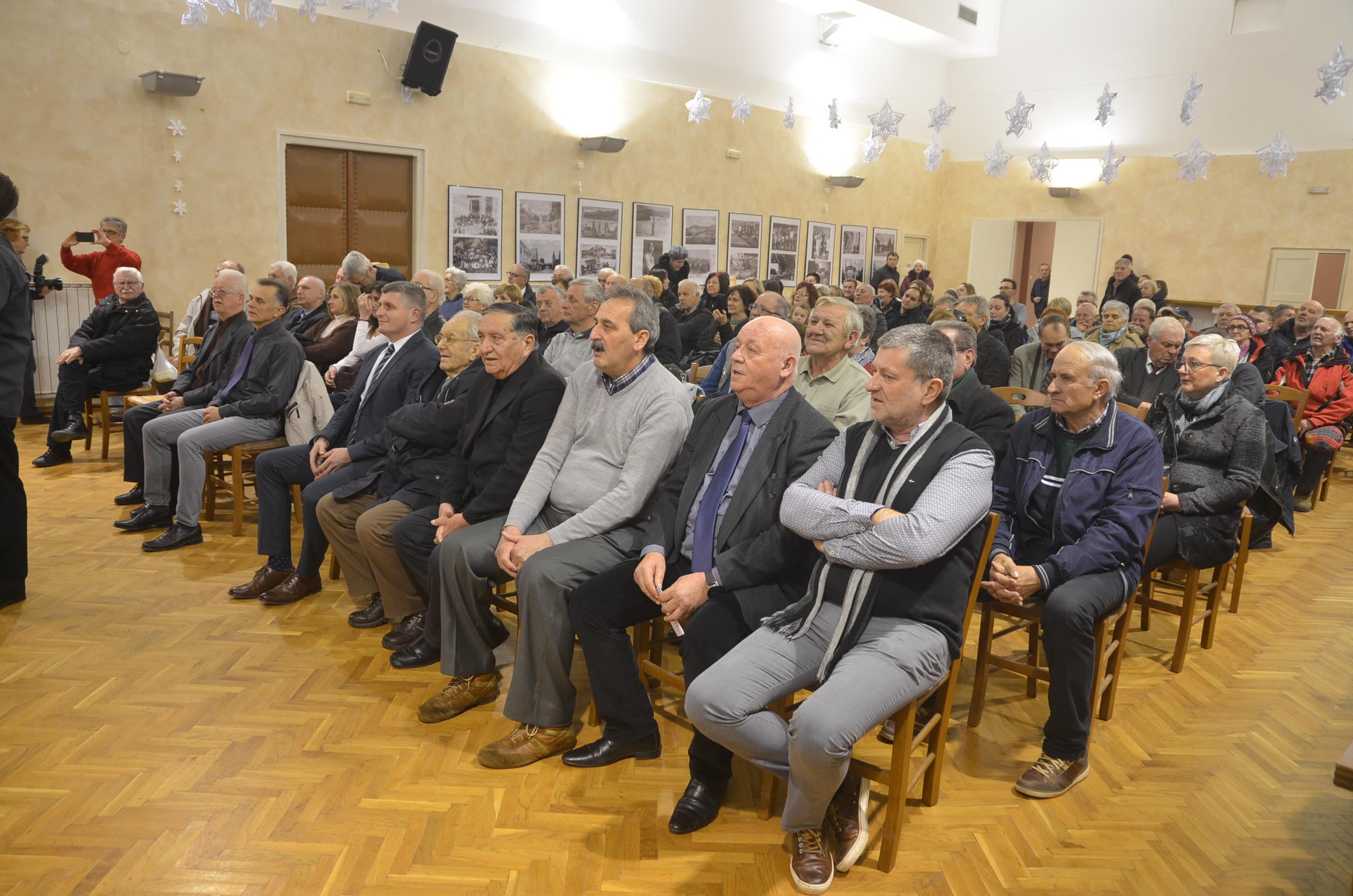: Sudionici svečane akademije 58. Memorijala mira / Snimio Marinko KRMPOTIĆ