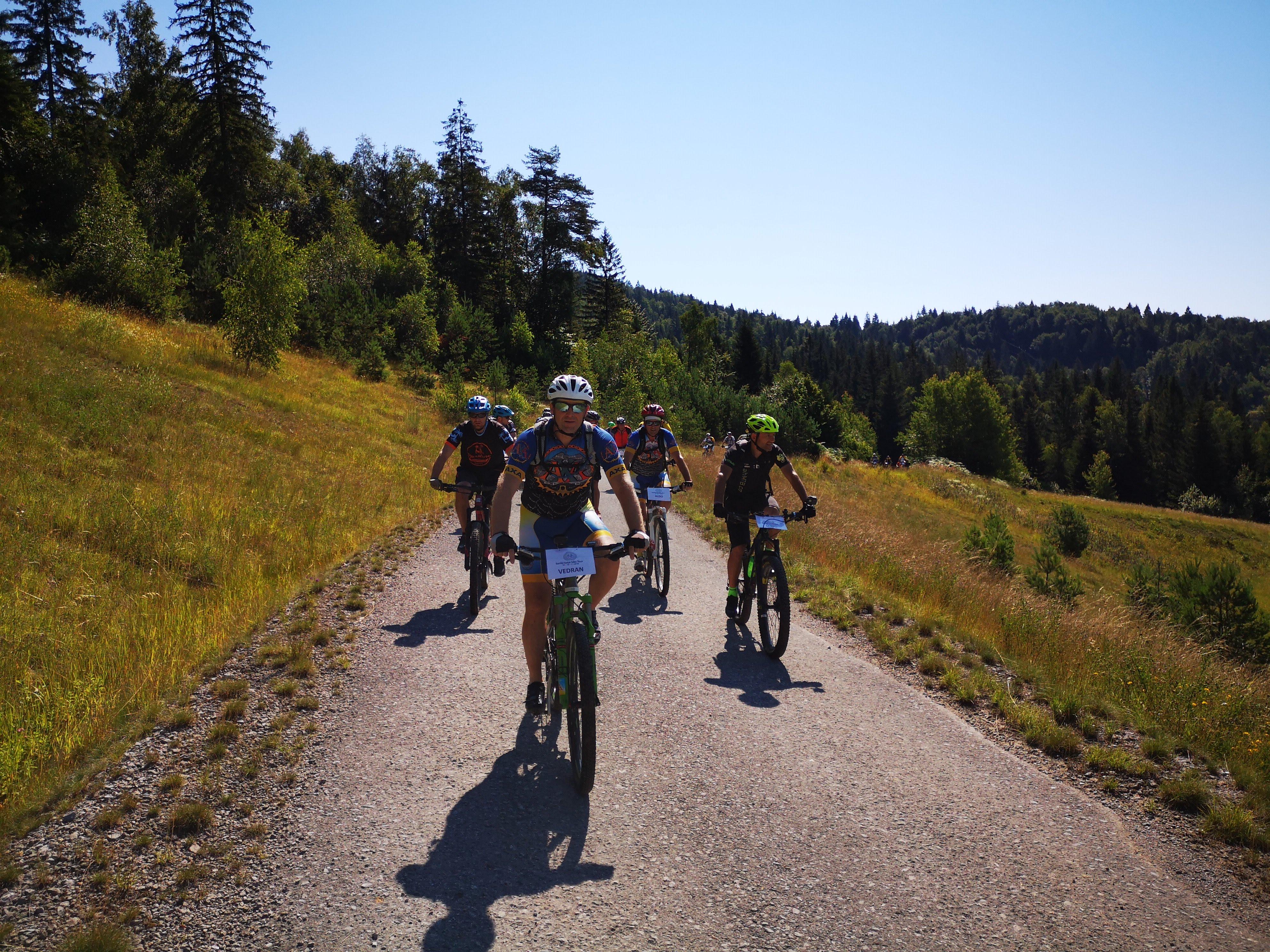 Biciklističke staze na području Gorskog kotara privlače sve više ljudi željnih aktivnog odmora  / Foto  M. KRMPOTIĆ