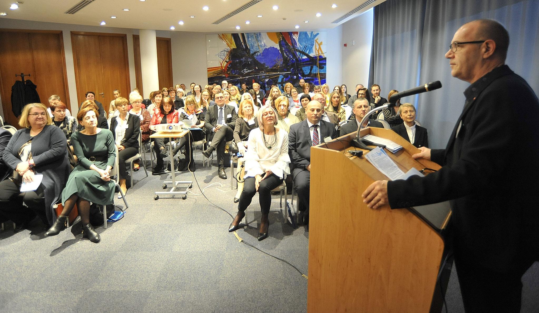 Na simpoziju sudjeluje više od 20 pozvanih predavača - prof. dr. Igor Prpić / Snimio Sergej DRECHSLER
