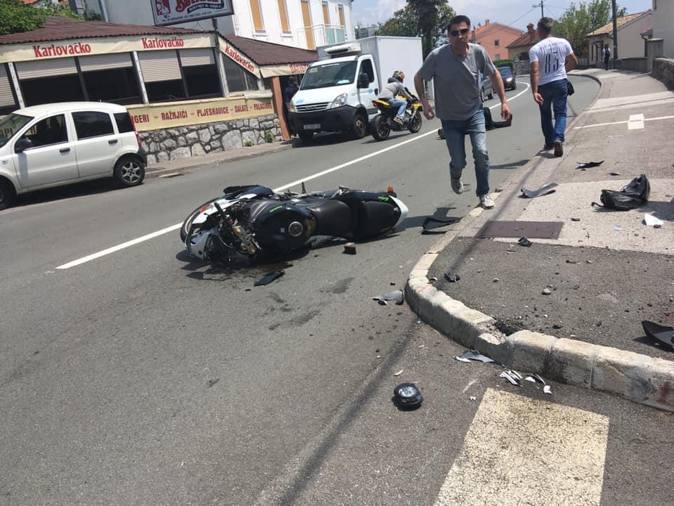 Motociklist pao s motora, Zamet, Foto Facebook / Problemi u prometu - Rijka i okolica / S.K.