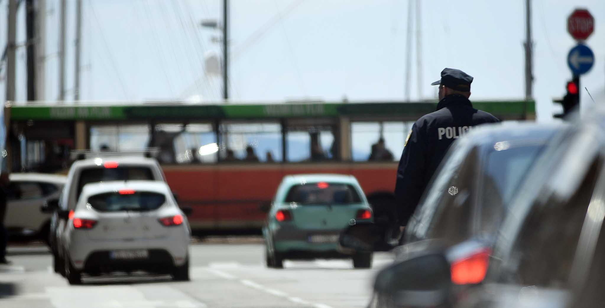 Prometna nesreća kod Riječkog nebodera, ozlijeđena pješakinja, snimio Ivica TOMIĆ