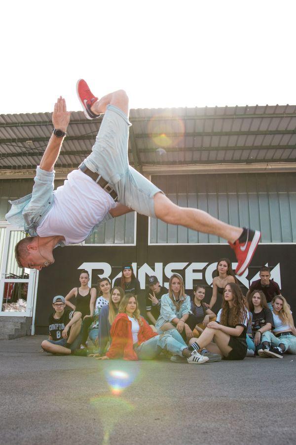 Davor Ćiković i plesna skupina TransForm crew