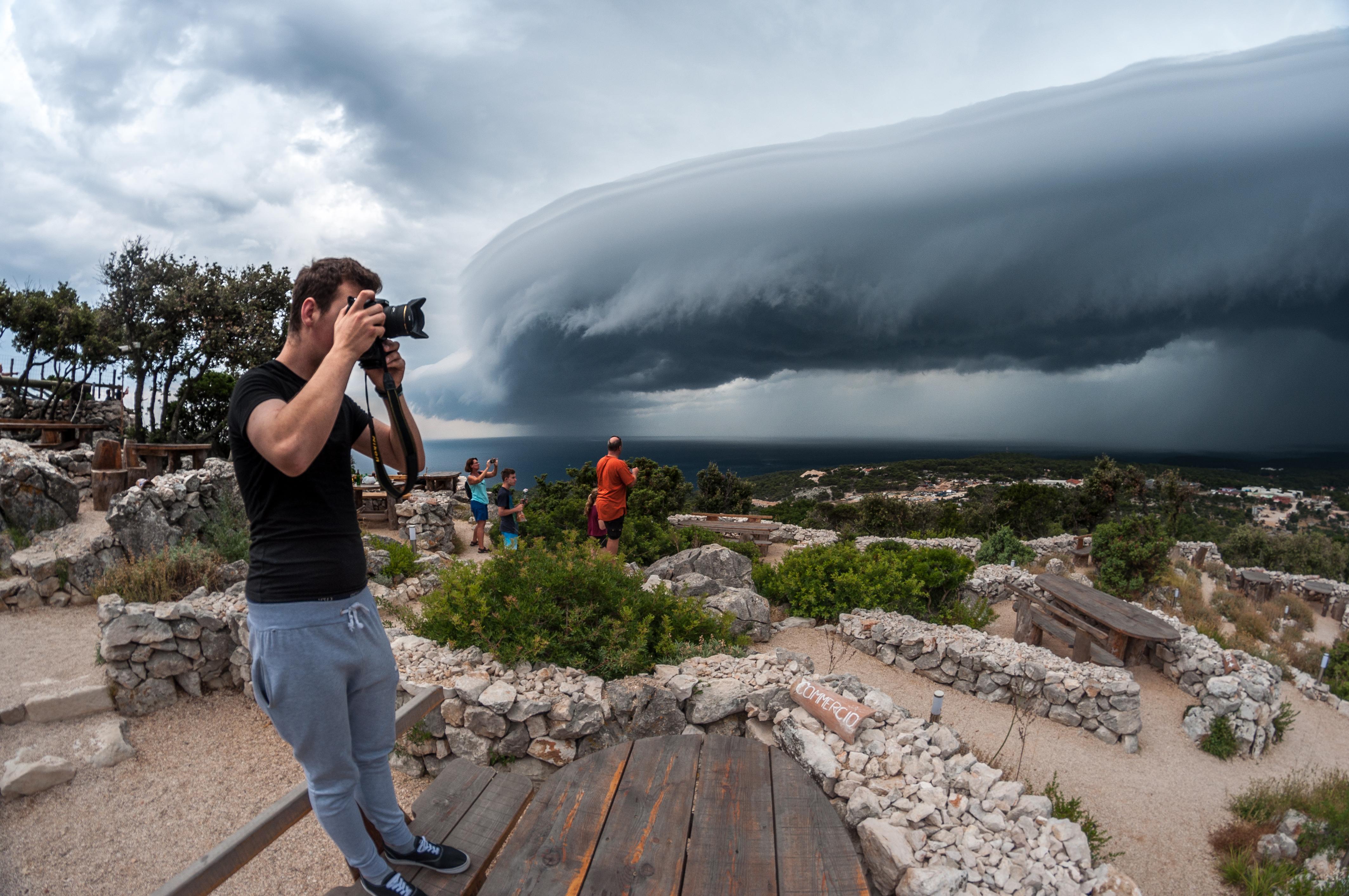 Munje, oblaci i druge meteorološke pojave najveća su strast Sandra Punceta