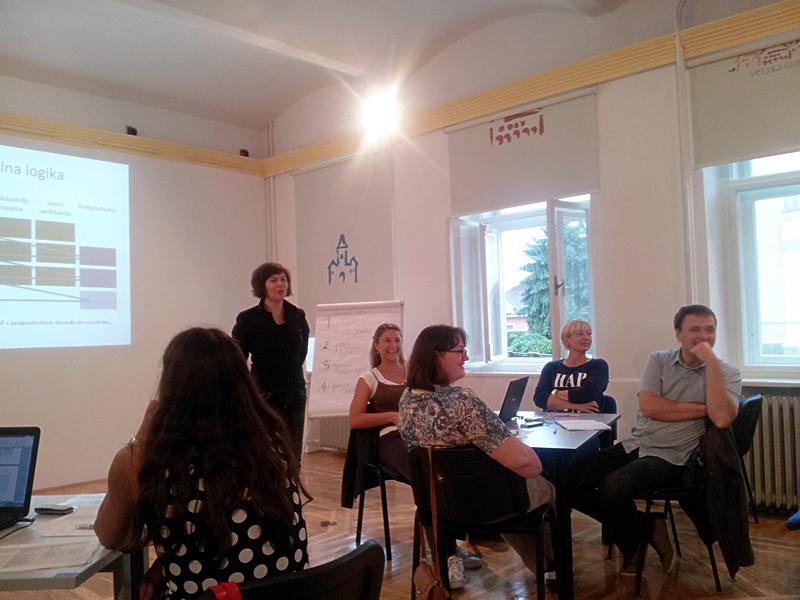 Željka Gomuzak Anić predaje na savjetovanju za EU fondove u Velikoj Gorici / Foto Grad Velika Gorica