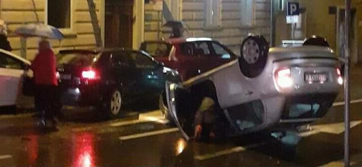 Automobil se prevrnuo u Ciottinoj ulici / Foto Facebook