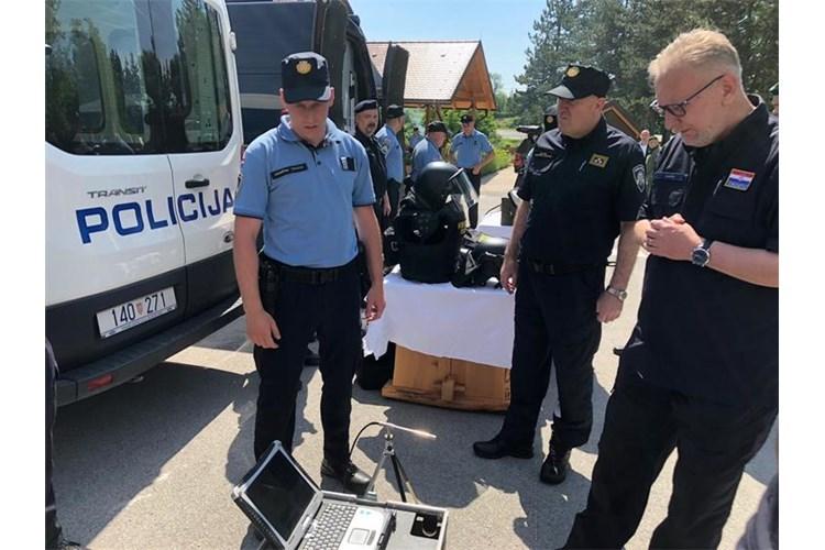 Ministar Davor Božinović obišao pograničnu policiju u Grabovcu / Foto MUP