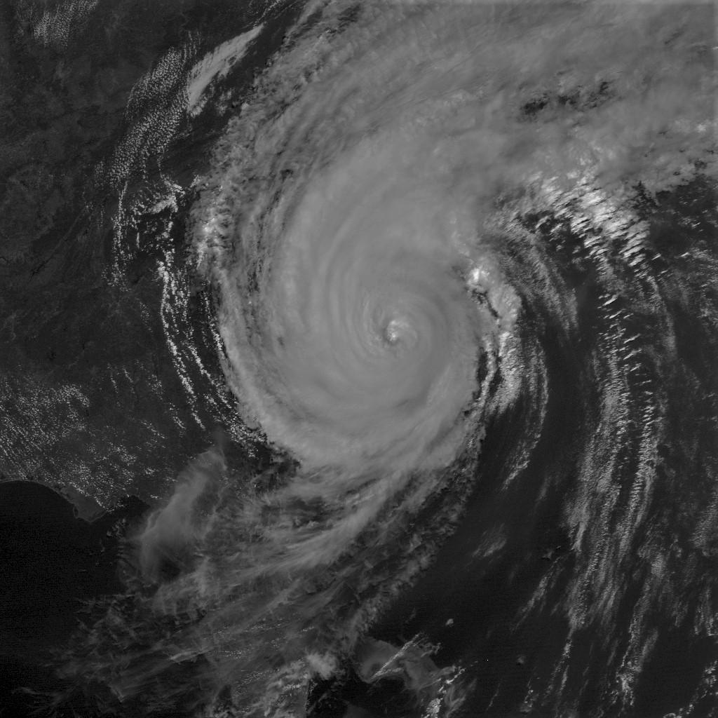 FOTO/Satelitska snimka uragana Dorian, Wikipedia