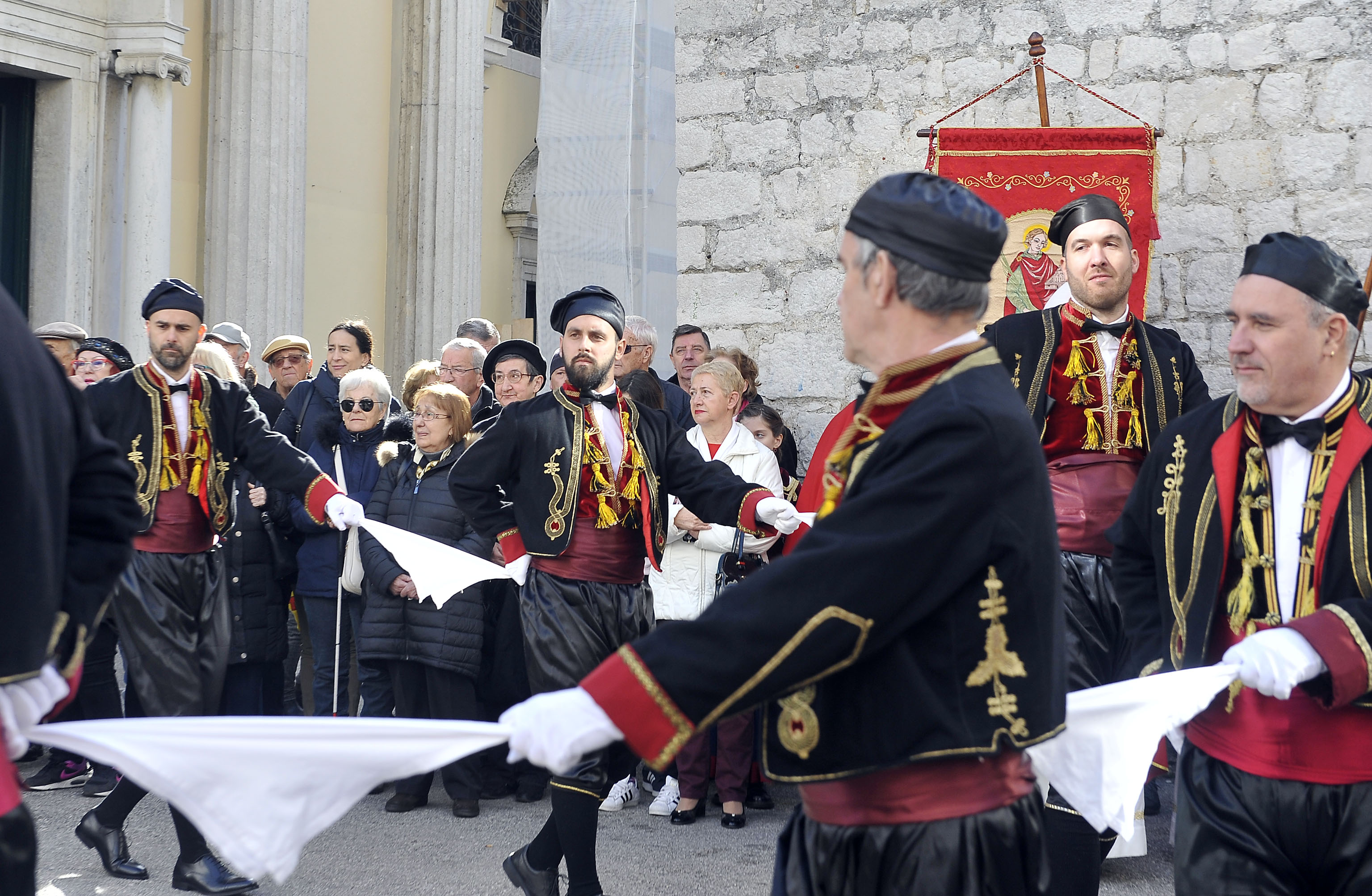 Hrvatska bratovština Bokeljska mornarica, Bokeljski Hrvati, snimio Vedran KARUZA
