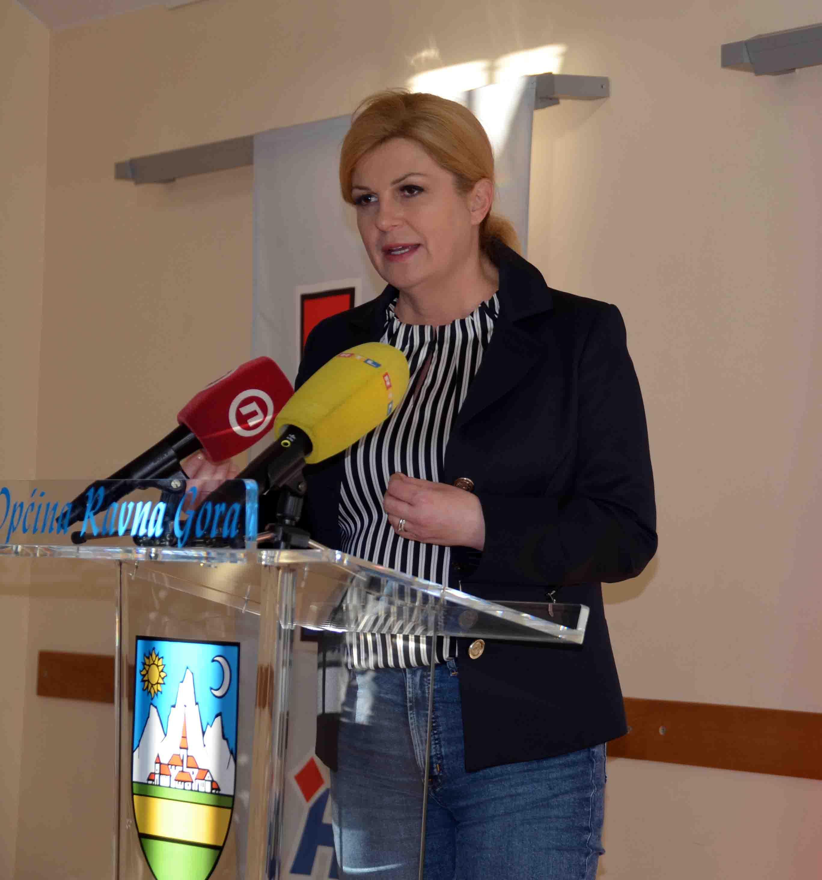 Kolinda Grabar Kitarović u Gorskom kotaru / Snimio Marinko KRMPOTIĆ