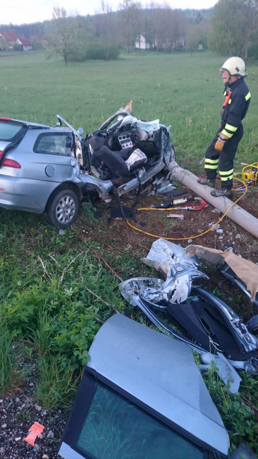 Prometna nesreća u Ličkom Cerju, snimio Marin SMOLČIĆ