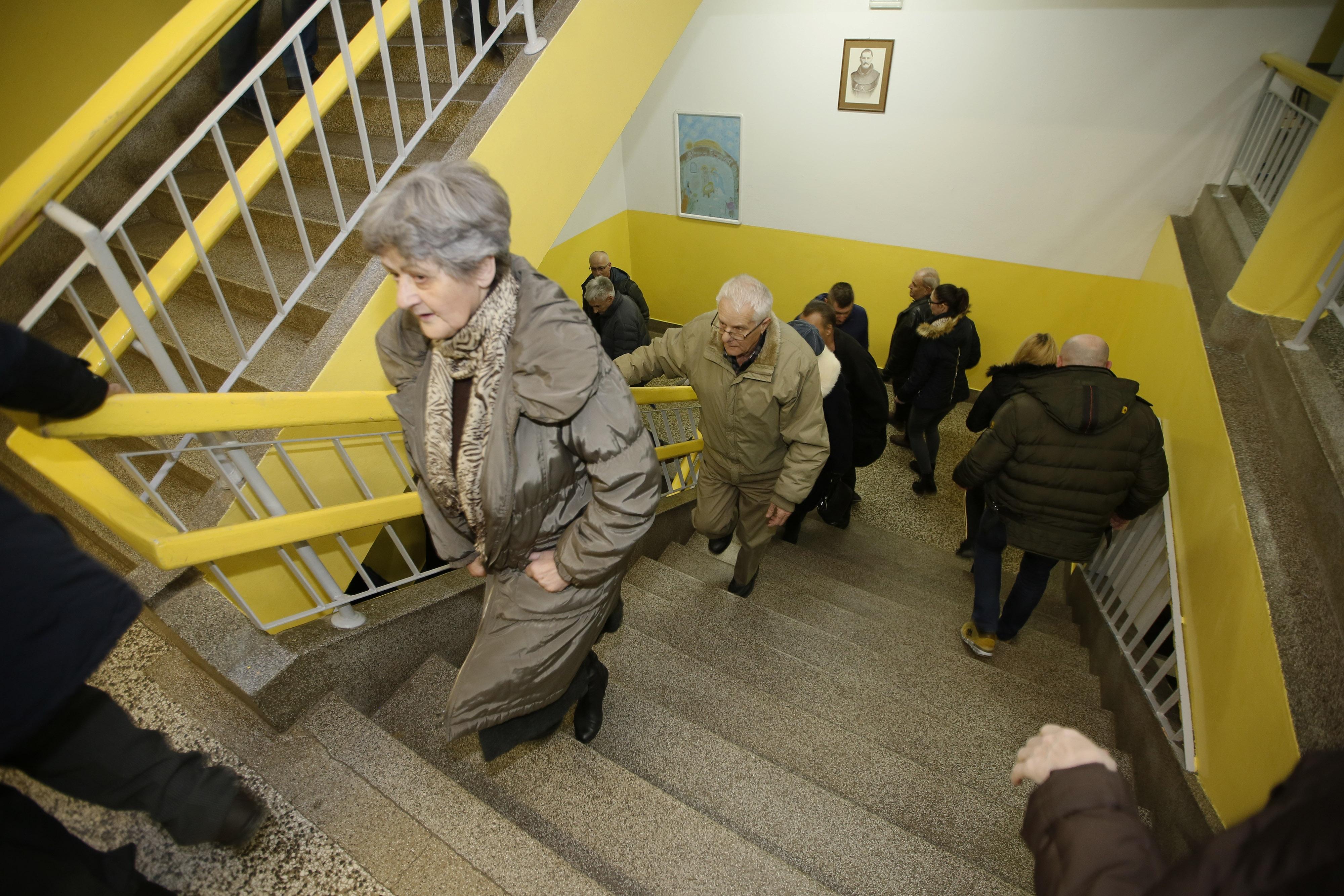 Glasovanje u Mostaru / Foto Denis Kapetanovic/PIXSELL