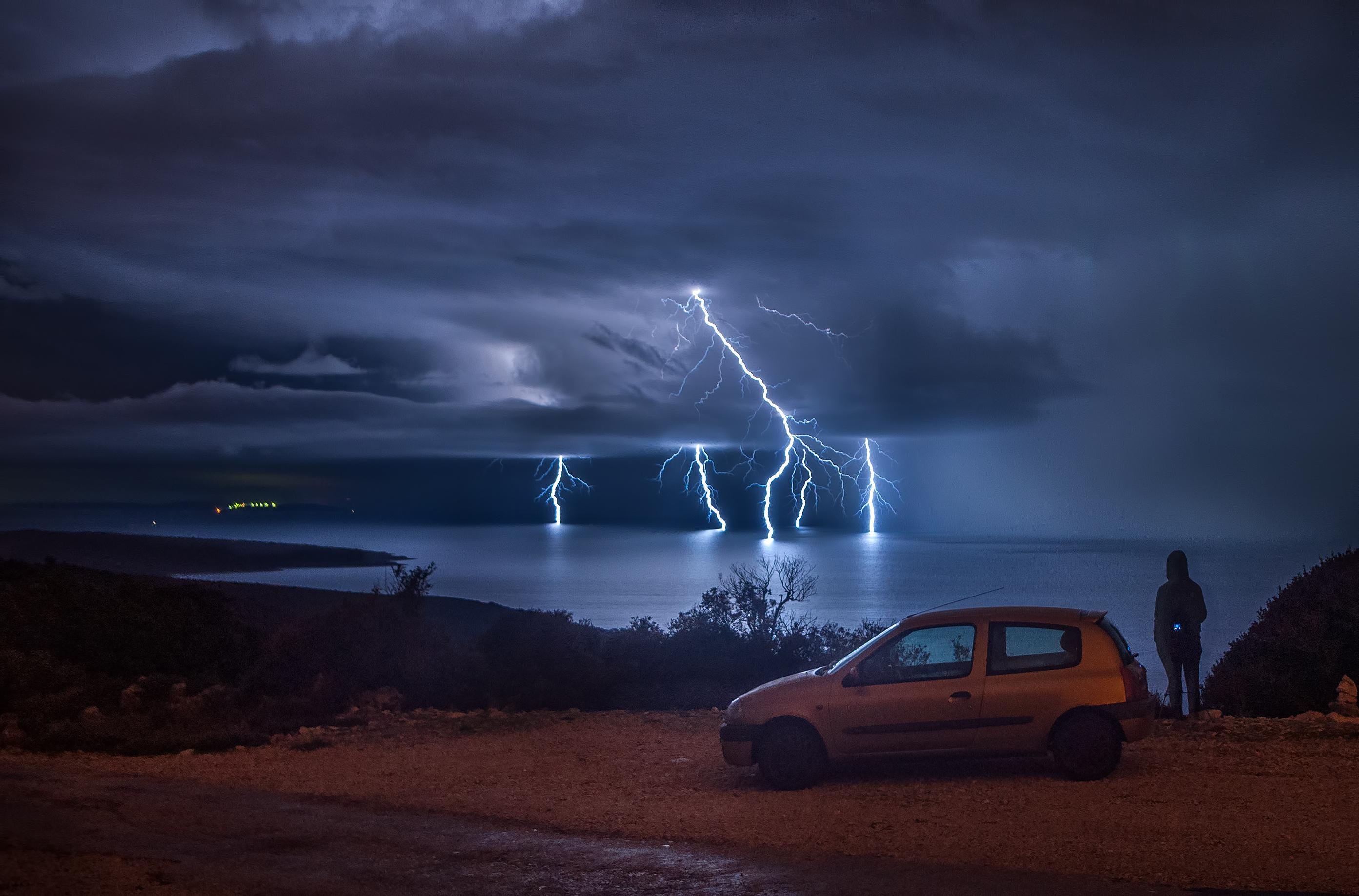 Sandro Puncet napominje da je oduvijek osjećao strast prema proučavanju meteoroloških pojava, čemu je pridonijelo to što su mu oba roditelja i nono meteorolozi po struci