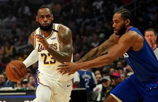 LeBron James i Kawhi Leonard/Foto REUTERS