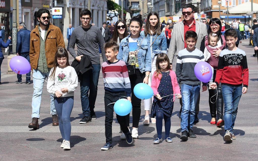 Obitelj Toljanić na okupu na riječkom Korzu / Snimio Ivica TOMIĆ