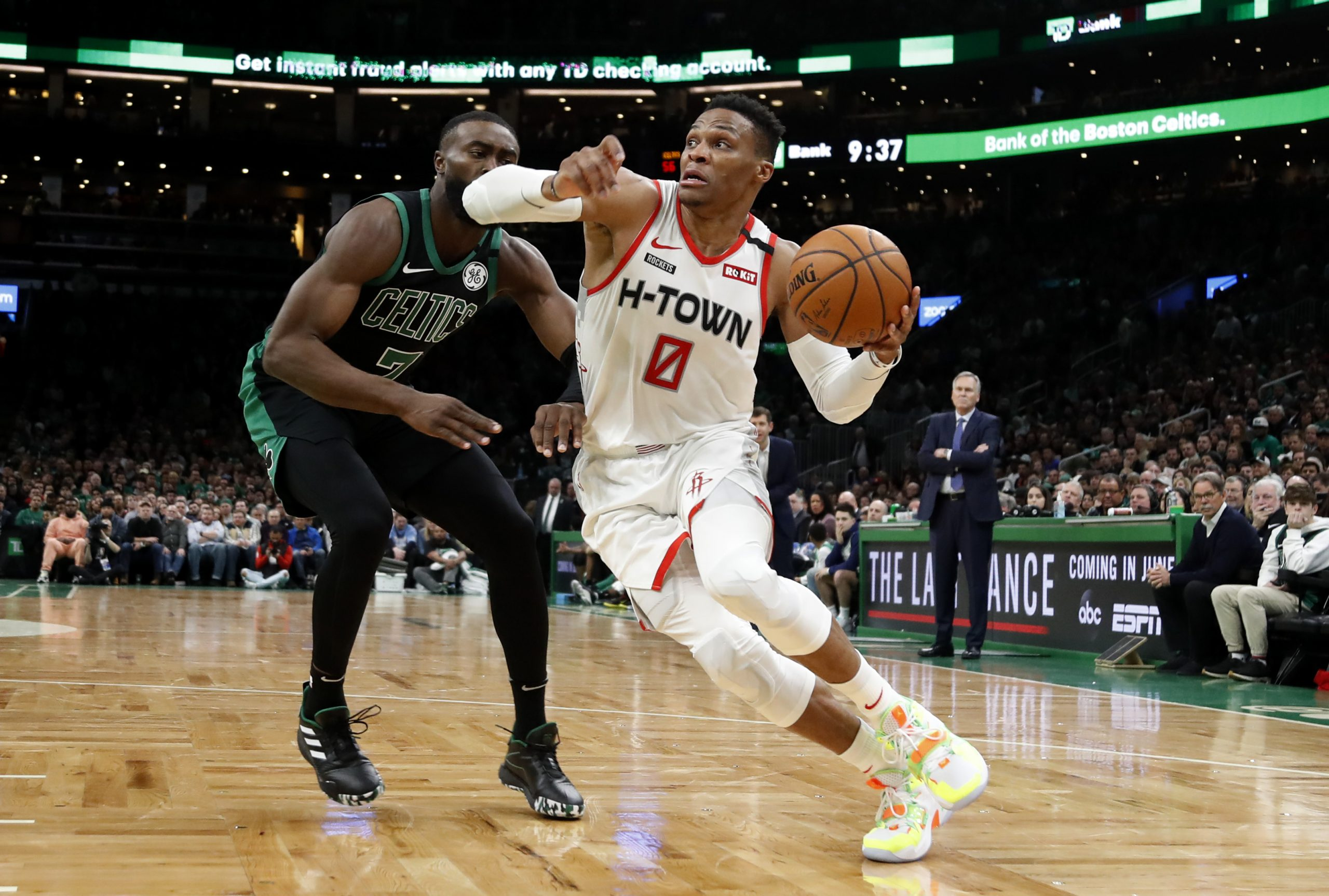 Jaylen Brown i Russell Westbrook /Foto REUTERS