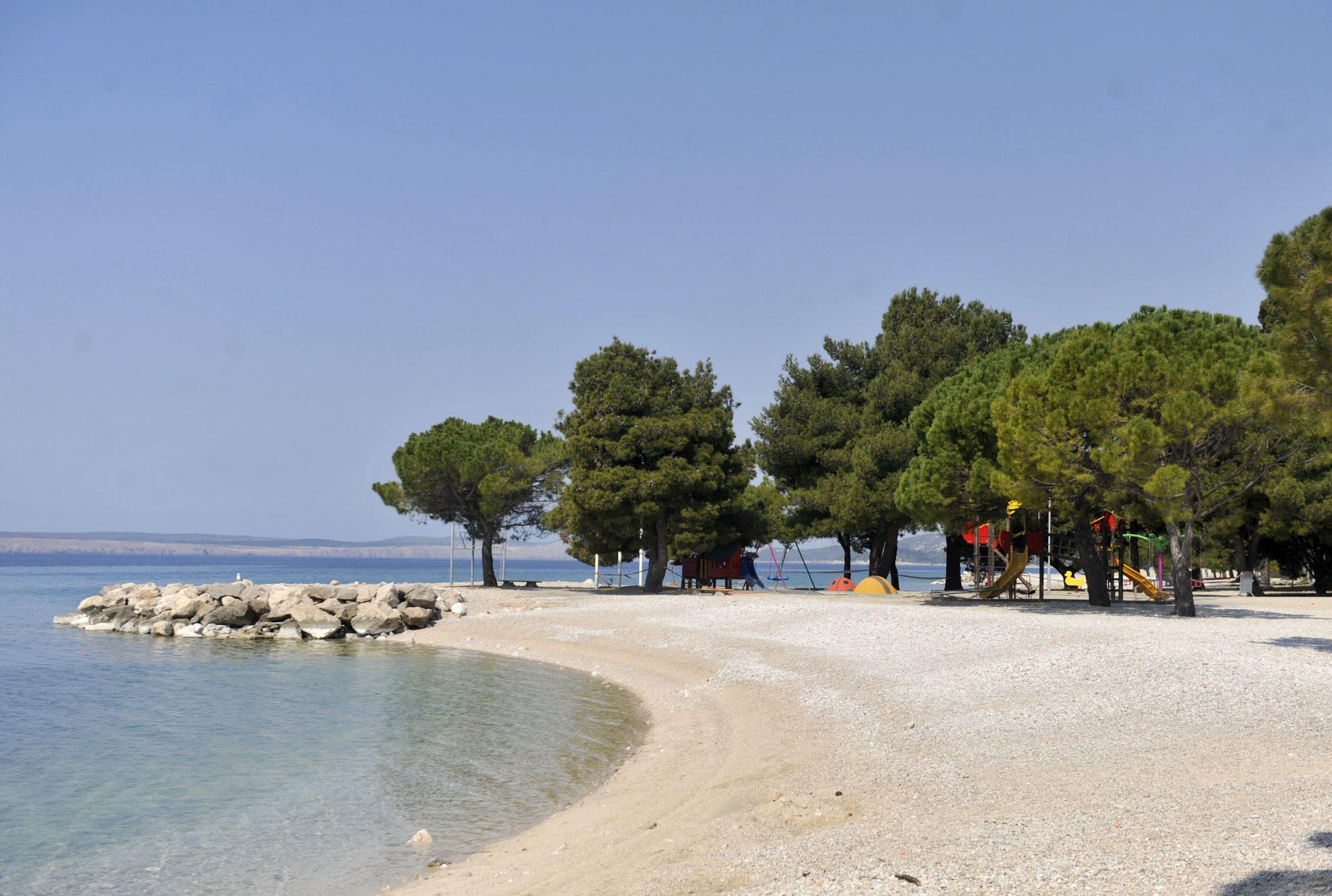 : Crikvenička gradska plaža je nakon gotovo tri godine ponovo dobila koncesionara o čijem se izboru u javnosti raspravlja već mjesecima / Snimio Vedran KARUZA