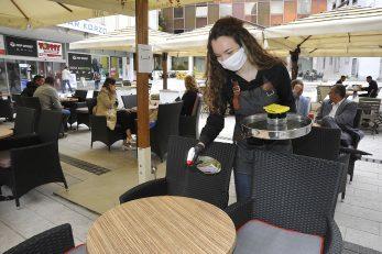 Kafići i dalje rade po posebnim pravilima / Foto: S. DRECHSLER