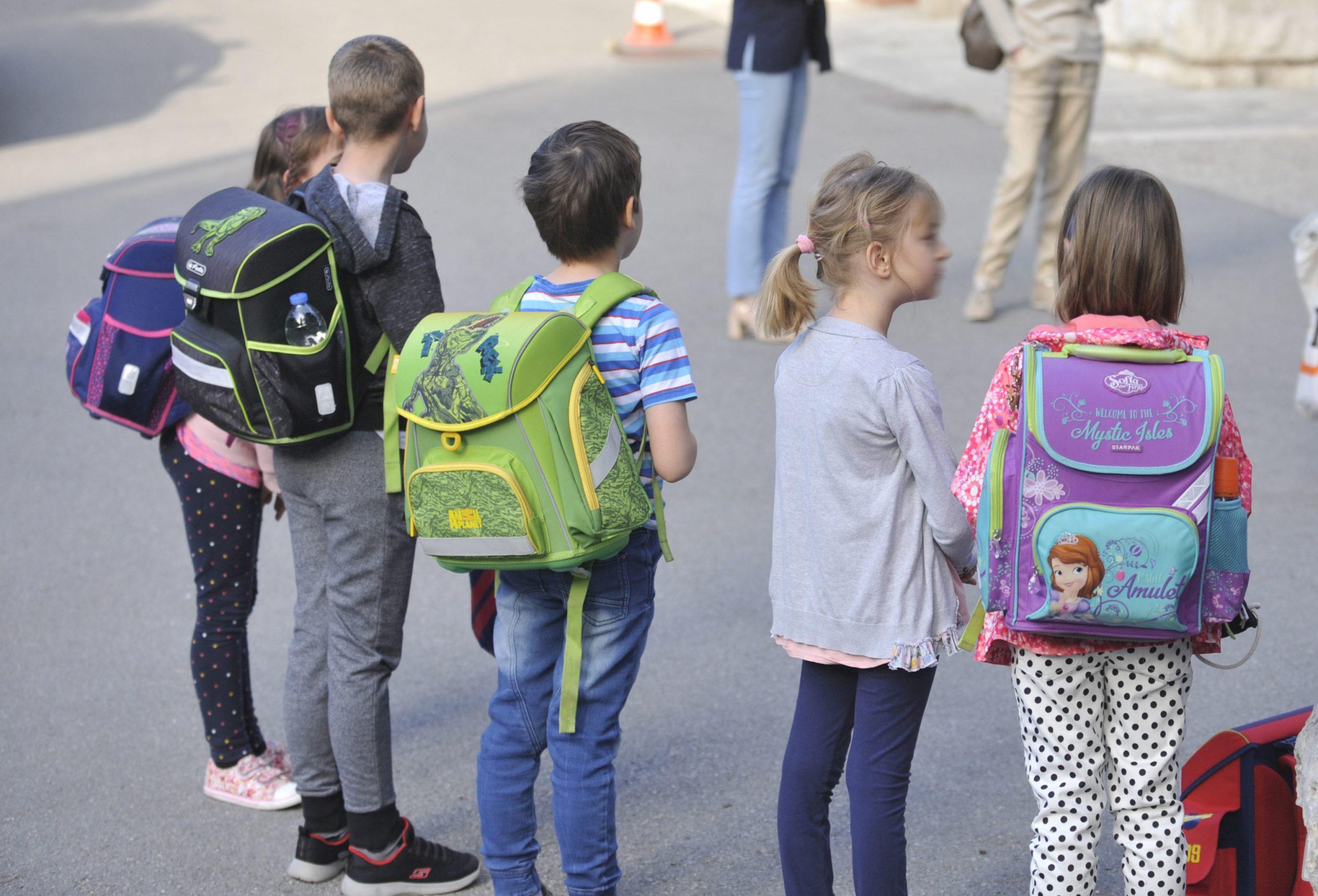 Učenici se vratili u škole / Foto: V. KARUZA