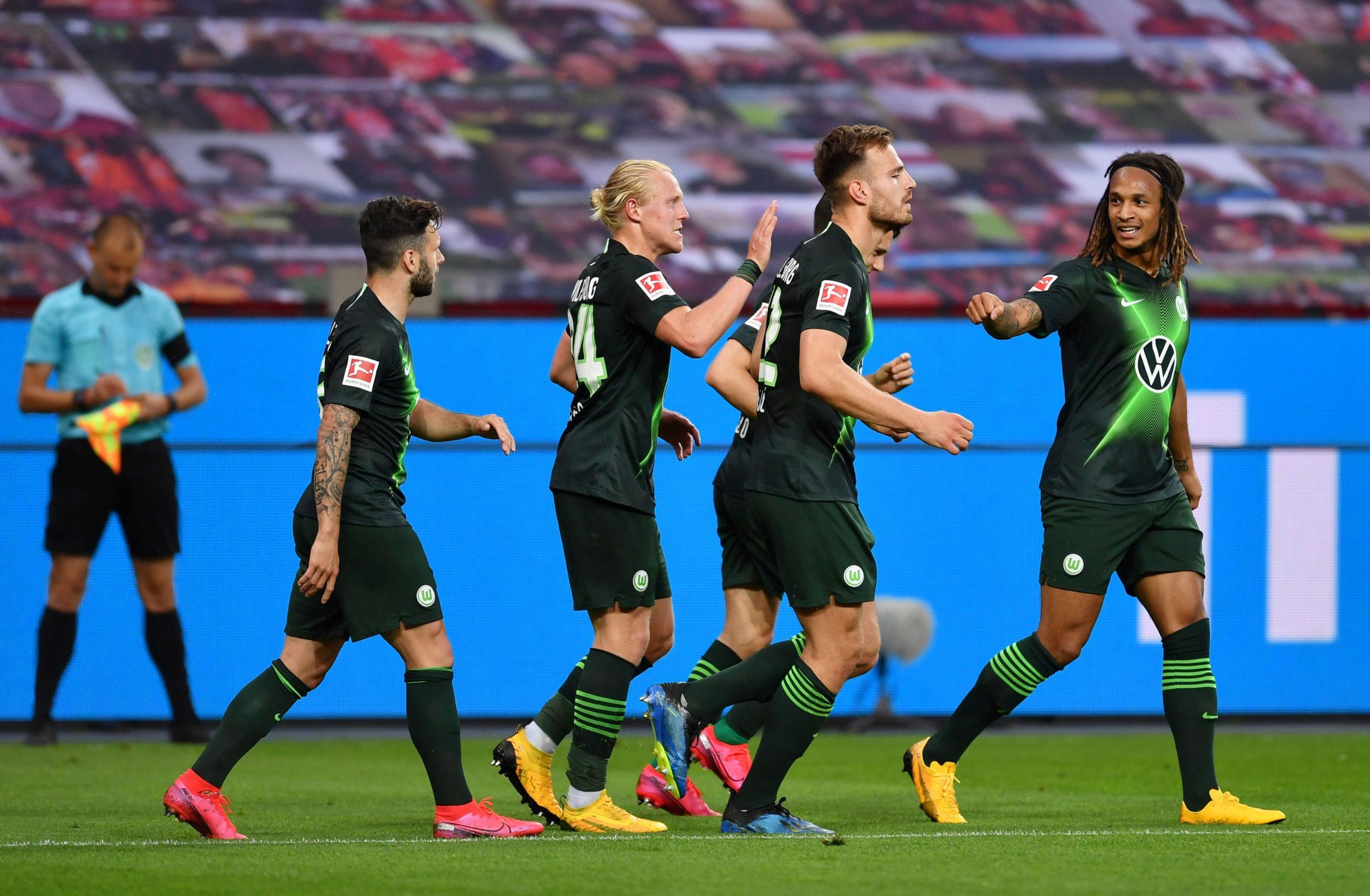Marin Pongračić i suigrači slave četvrti gol u Leverkusenu/Foto REUTERS