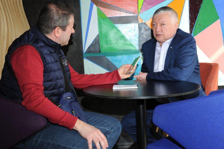 Anatolij Karpov i  naš novinar Zlatko Horvat/M. GRACIN