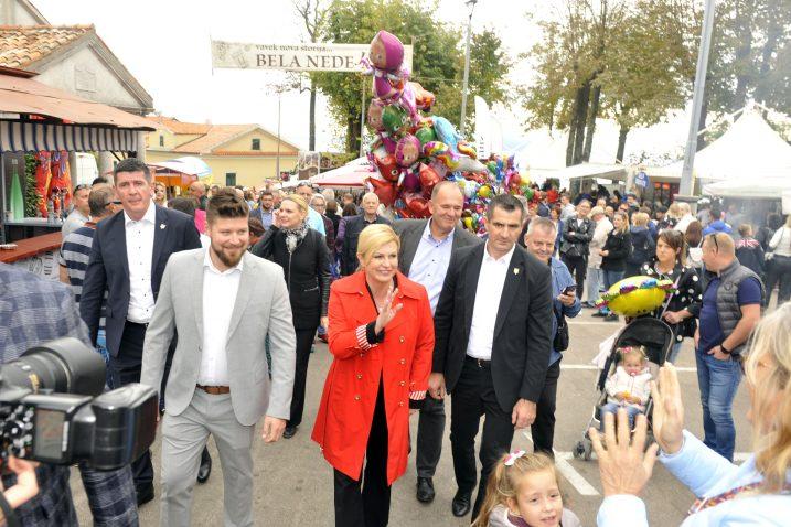 Kolinda Grabar-Kitarović srdačno je dočekana u Kastvu / Snimio Vedran KARUZA