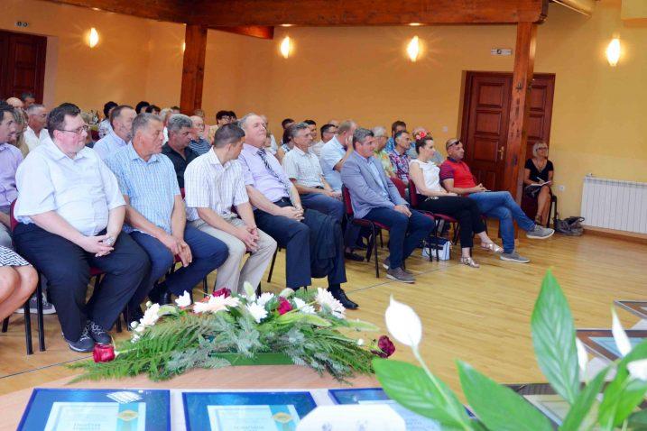 Uzvanici i sudionici Svečane sjednice povodom Dana Brod Moravica / Snimio Marinko KRMPOTIĆ