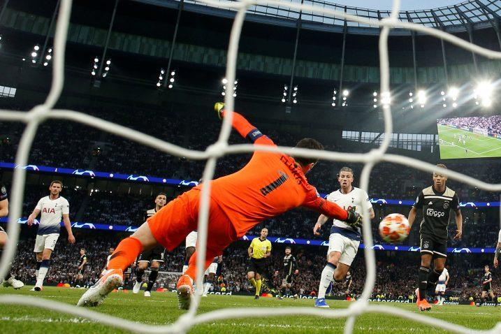 Donny van de Beek postigao je u 15. minuti jedini pogodak/Foto REUTERS